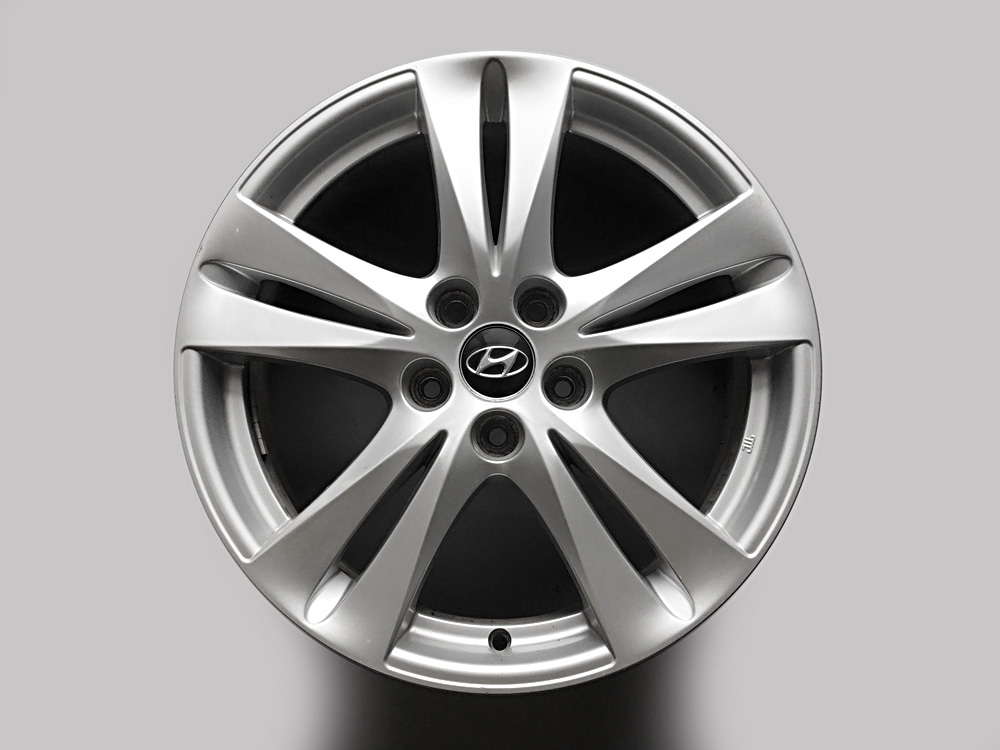 Hyundai original 18 inch rims for sale