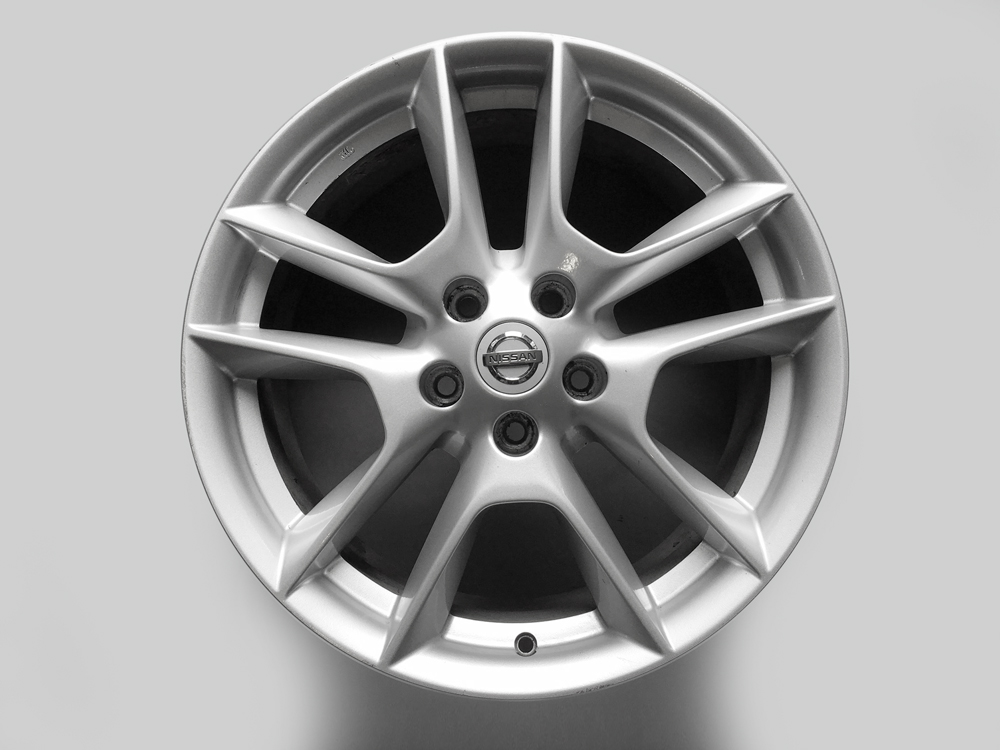 nissan maxima original 18 inch rims for sale