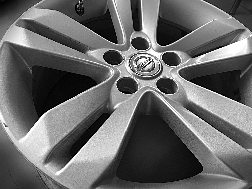 Nissan oem 17 inch alloy rims